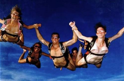 nude-skydiving-.jpg (38 KB)