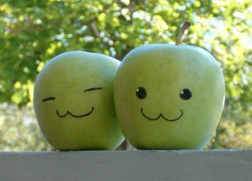 happy-apple.jpg