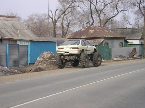 monster-commie-car.jpg