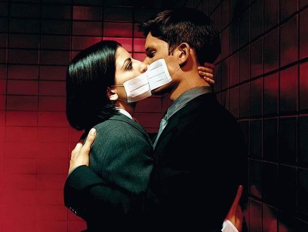 safe-kissing.jpg