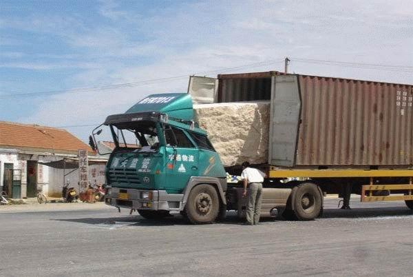 bad-truck-packing.jpg