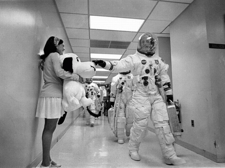 snoopy-with-astronauts.jpg