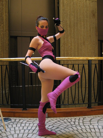 Mileena cosplayer