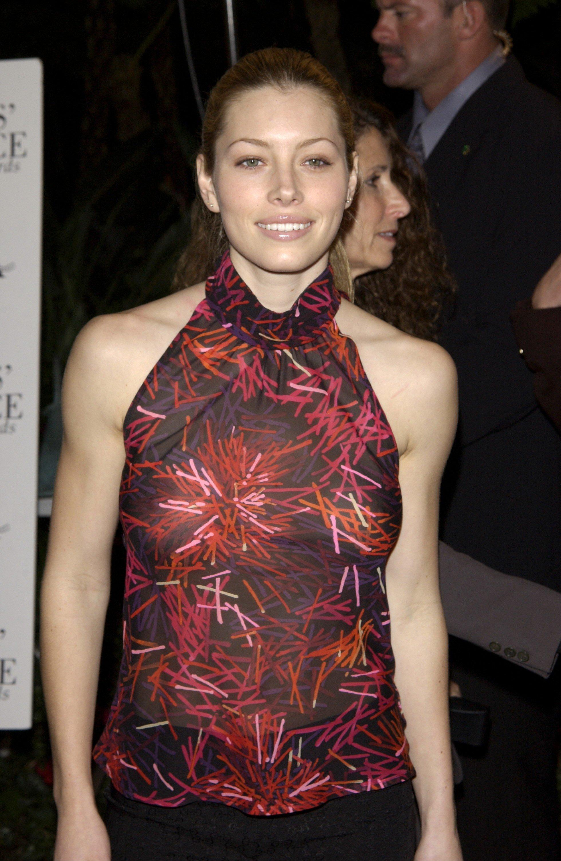 67003_jessica_biel_critics_choice_awards27_122_1044lo.jpg