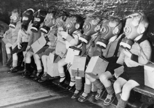 f8a13d93.thumbnail Lunchbox Gasmask Kids wtf Military
