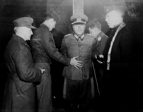 pre-hanging-nazi-war-criminal