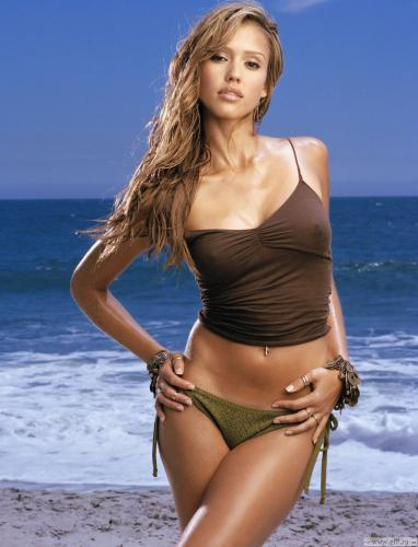 jessica-alba-brown-top-3
