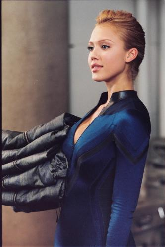 jessica-alba-invisible-woman-eyes