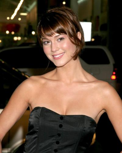 mary-elizabeth-winstead79328-fountain-23-wenn955088-1.jpg