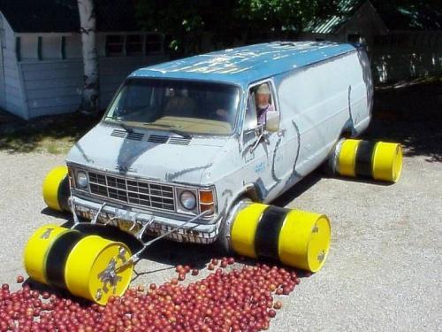 apple-crushing-van.jpg