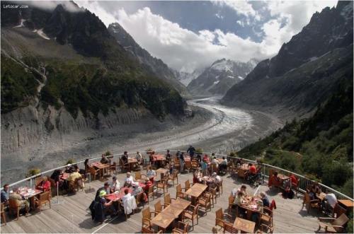 glacial-restaurant.jpg