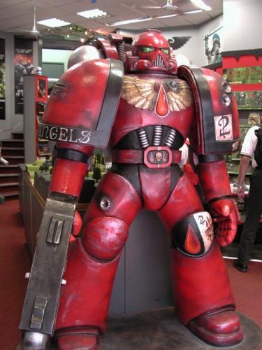 warhammer-statue.jpg