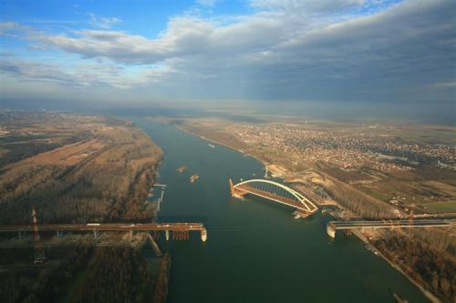 floating-bridge.jpg
