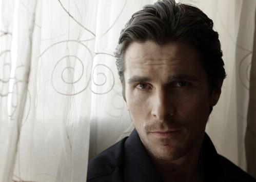 bale 3 499x355 Christian Bale   Black Shirt Sexiness Sexy