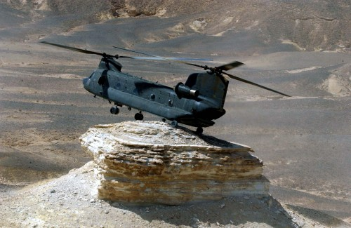 helicoptor rock 500x325 Chinook Landing Wallpaper Military