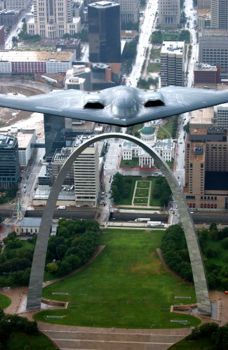 gateway arch and b2 bomber 325x499 Gateway Arch and B2 Bomber Military Aerial