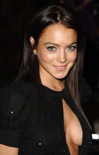 075 - Lindsay Lohan