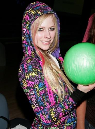 Avril Lavigne Has A Green Ball