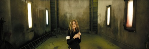 Avril Lavigne Is In A Crazy Room