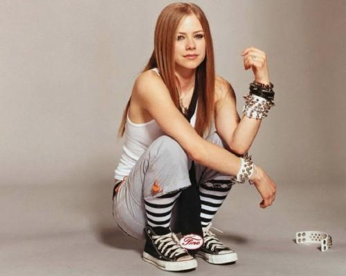 Avril Lavigne Squats