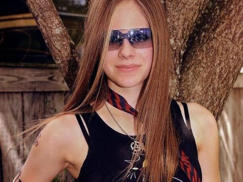Avril Lavigne Wears Pimp Glasses