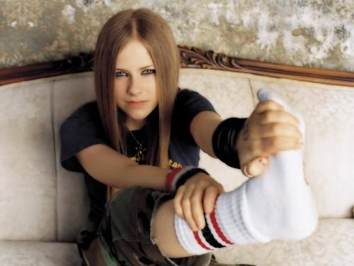 Avril Lavigne wears tube socks