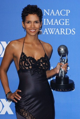 halle Berry see through 1