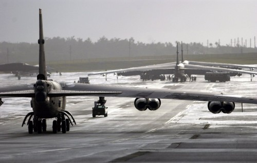 b 52 on runway 500x318 b 52 on runway Wallpaper Military
