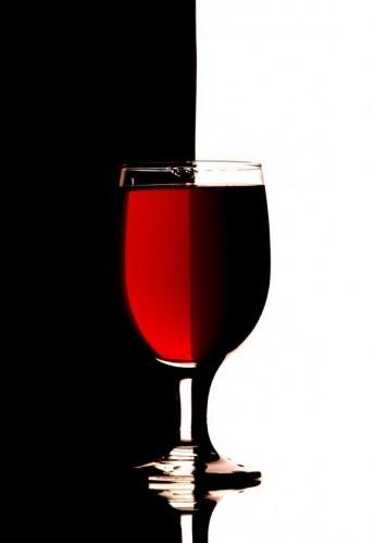 red vs dark wine