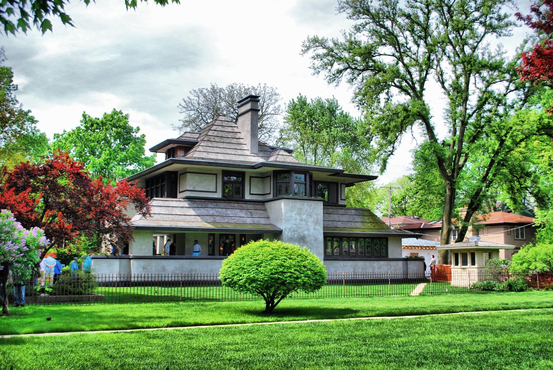 The Hills-DeCaro House