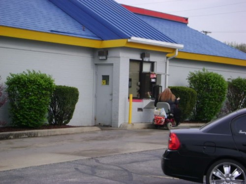 fat2 500x375 Fatty Lunch at the Drive Through wtf Sad :(