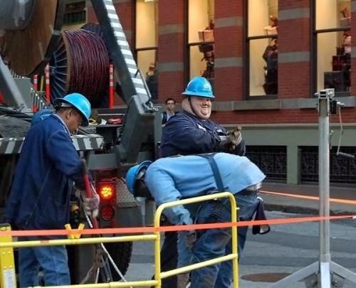 wtf construction worker 500x405 wtf construction worker