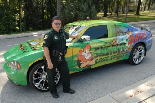 cartoon sheriff car