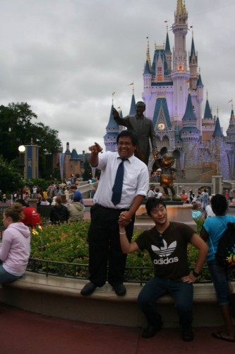 mocking the Walt Disney Statue