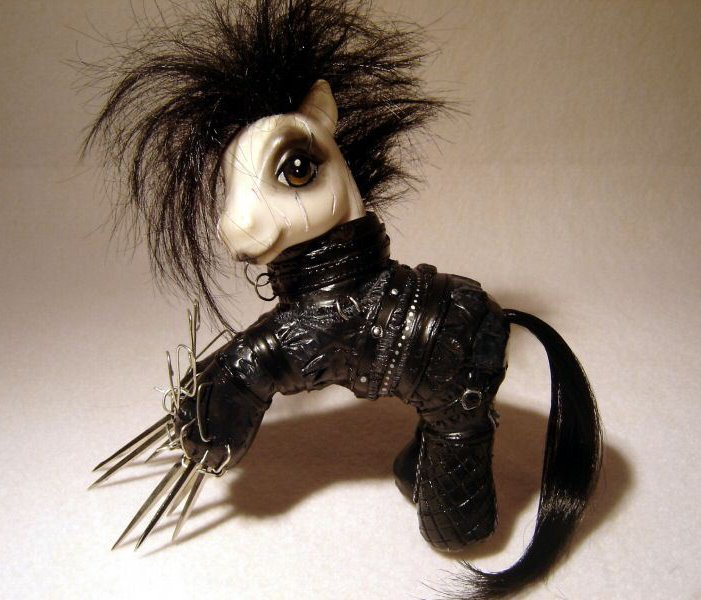 my little pony scissorhands My Little Pony...is a little different Toys