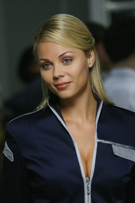 laura vandervoort is an alien sexpto