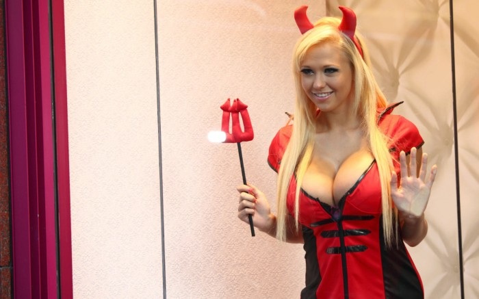 nsfw - sophie reade is a devil