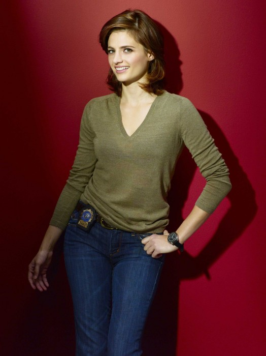 stana katic - castle promo picture - green top