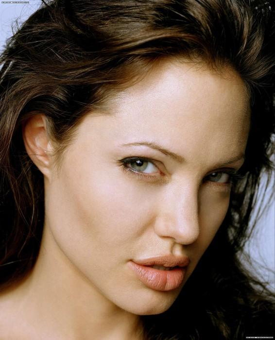 angelina jolie's fat lips