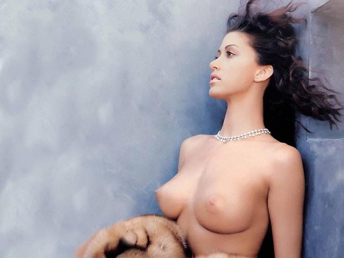 nsfw - topless shannon elizabeth nsfw wallpaper
