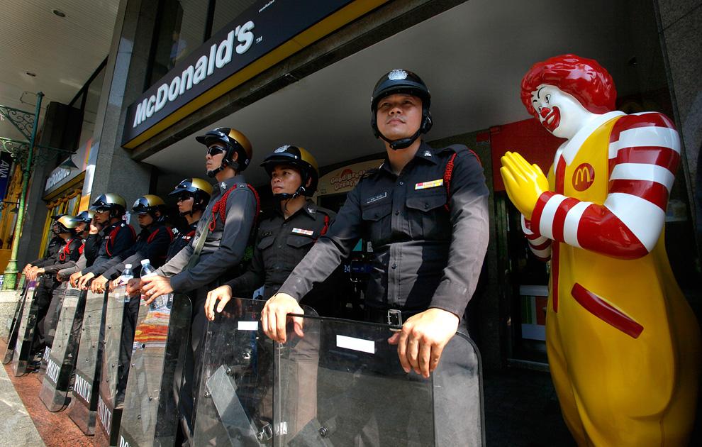 t09 22902915 Unrest in Thailand wtf Politics Food