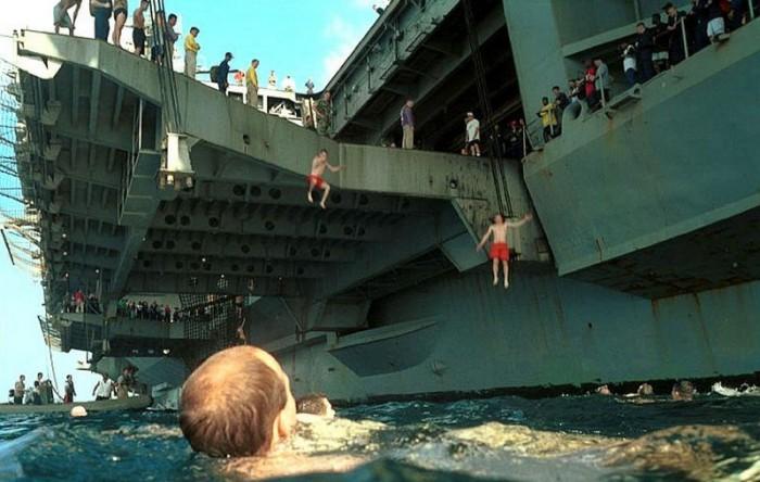 aircraft carrier divers