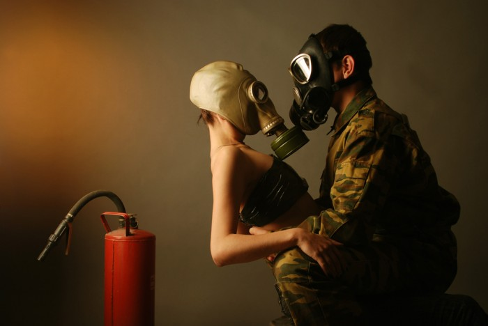 gas mask love
