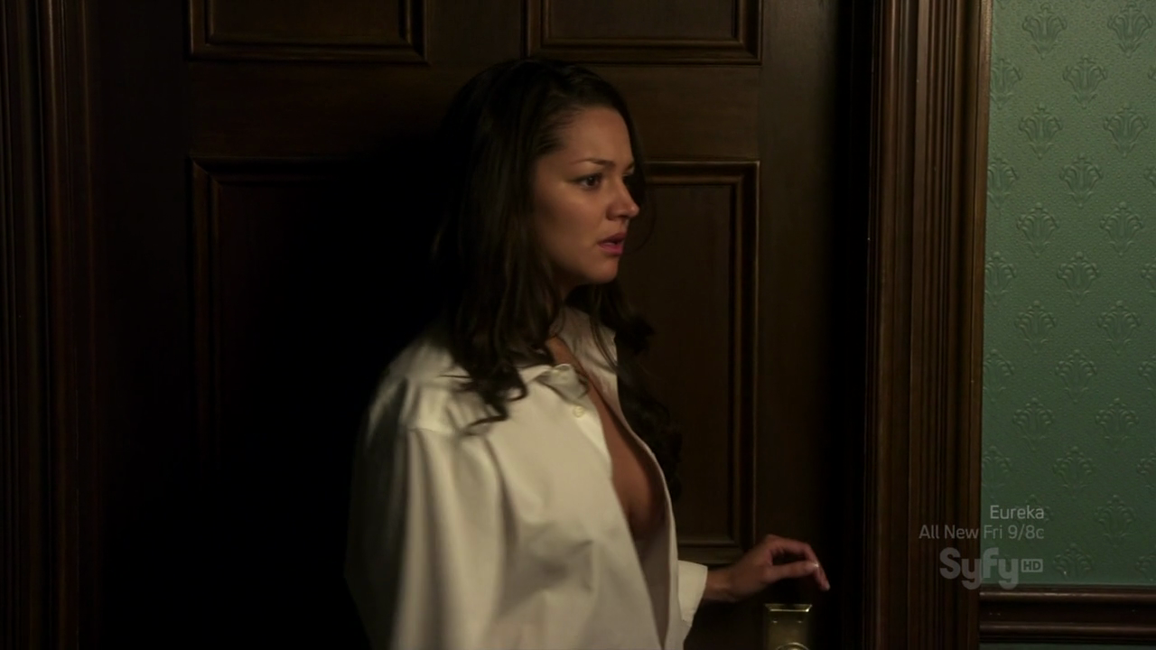 warehouse 13 sideboob (18)