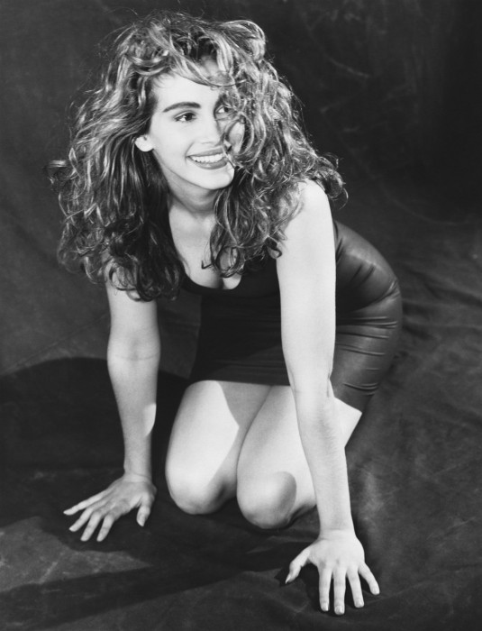 julia roberts - young and black and white