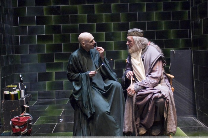 voldemort and dumbledore 700x466 voldemort and dumbledore Movies Fantasy   Science Fiction Awesome Things