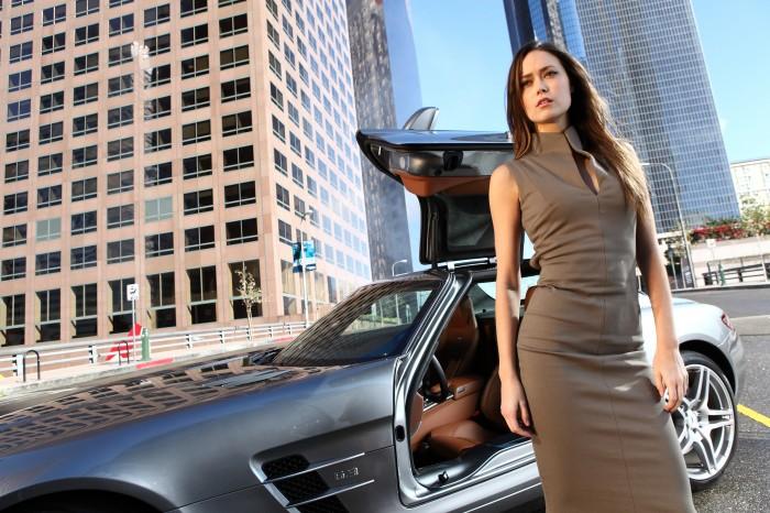 summer glau - sexy dress and car