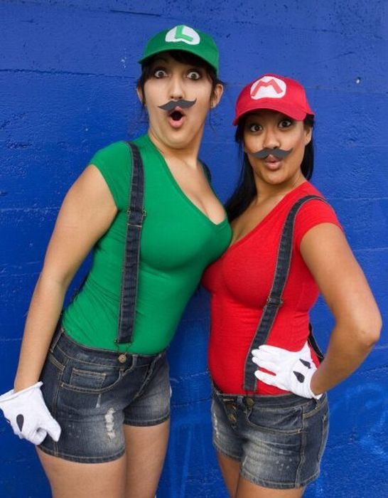 female mario and lugi female mario and lugi Sexy Gaming cosplay