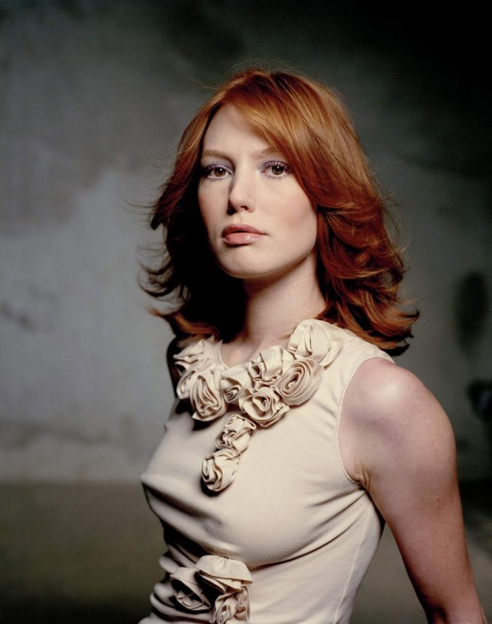 alicia witt in white 552x700 alicia witt in white Sexy alicia witt