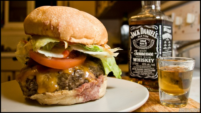 jack daniels and burger 700x396 jack daniels and burger Wallpaper Food Awesome Things Alcohol